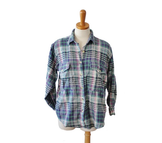 Items similar to Vintage Early 90s No Barriers Flannel ...
