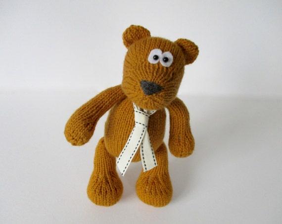 Nutmeg bear toy knitting pattern
