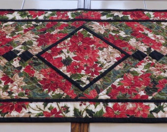 Quilted French Braid Holiday Table Runner Poinsettias Red Green Black White