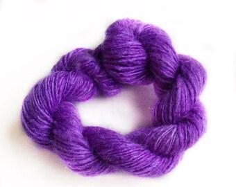 Handdyed and handspun tussah silk - Clematis - 10gr 60m