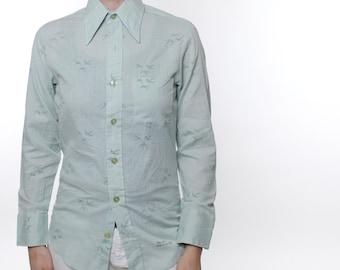 Vintage 70's button down shirt, pale sage green, bird pattern, swallows, pointy collar, slim fit, lightweight- Small