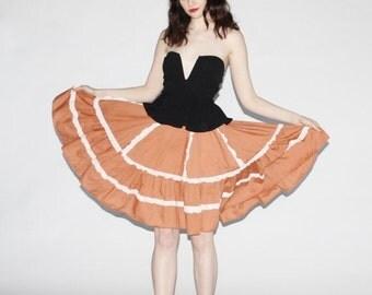 75% OFF FINAL SALE - Vintage 1970s Skirt - 70s Prairie Skirt - 1970s Prairie Skirt -  The Sunflower Fields Skirt - 10043