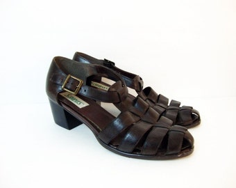 Size 8 Dark Brown Leather T-strap Leather Low Heel Boho Chic Gypset Sandals Shoes