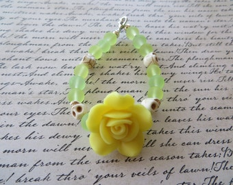 Pale Yellow Clay Rose With Frosted Glass and Howlite Skull Beads Bracelet