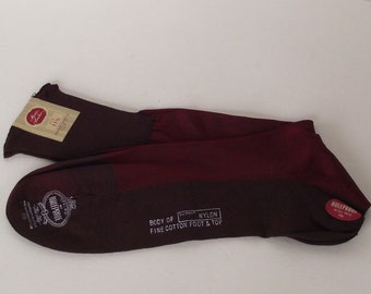 1920s Era Mens Holeproof DuPont Nylon and Fine Cotton Burgundy Socks Never Worn Store Tagged Size 11.5