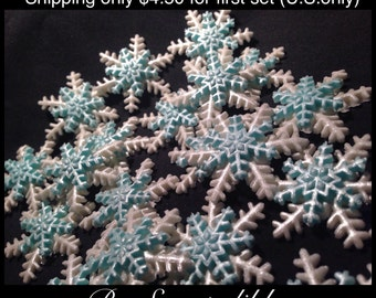 Gumpaste Blue and White Snowflakes Medium Size Edible