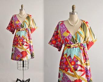 60's Kimono Dress // Vintage 1960's Vibrant Print Silk Cocktail Party Mod Kimono Dress S M