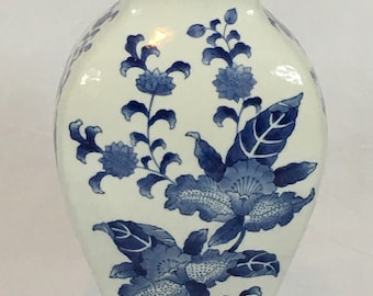 Vintage Chinoiserie Blue and White Asian Antique Ceramic Large Vase