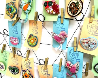 wholesale retro brooches - set of 5 vintage fabric , handmade brooches