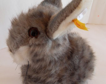 Steiff rabbit bunny  grey  button/flag made in Germany 1446