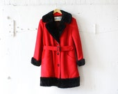 60s Red Coat S/M • Warm Wool Coat with Quilted Lining • Faux Fur Collar Coat | O207