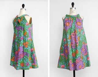 60s Floral Tent Dress S/M • Spring Dress with Pockets • Flared Mini Dress • Mod Mini Dress with Bow | D491
