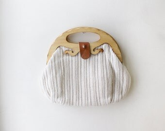 White Wood Handbag • White Clutch Purse • Wood Handle Purse • Crochet Clutch • Knit Clutch • Festival Purse • Boho Wooden Clutch | B525