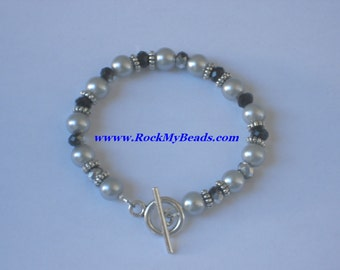Gray Pearls and black/gray crystal Bracelet,bracelet,jewelry,women bracelet,beaded bracelet,elegant bracelet,pearl bracelet,crystal bracelet
