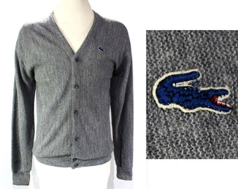 Men's Izod Lacoste Cardigan - Mens Large Preppie Gray Knit - Alligator - Crocodile Logo - V Neck Button Front Sweater - Chest 44 - 46455