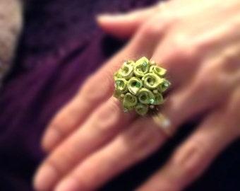 Kanzashi flower ring. Japanese kimono fabric. Green flower. Swarovsky.