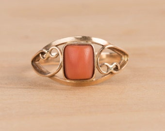 Antique Coral and 10k Rose Gold Solitaire Ring