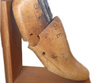 Vintage Cobbler Foot Bookend