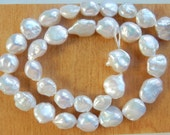 18.5 inches White graduating  baroque freshwater pearl, baroque pearl nugget, Beautiful luster (15-11x19-12mm), coin nugget,cultured pearl