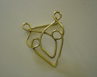 custom brass filigre pin