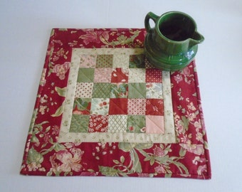 Floral Quilted Table Topper, Quilted Table Runner, Table Quilt, Patchwork Table Runner, Cottage Chic Table Topper