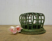 Vintage Vogue Green Metal Spike Cage Flower Frog Cottage Decor