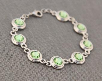 August Peridot Bracelet, Birth Month Jewelry, New Mom Gift August Peridot Jewelry, Light Green Bracelet