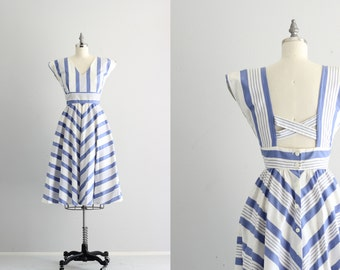 Vintage Full Skirt Dress . Blue and White Striped Dress . Button Back Dress with Pockets