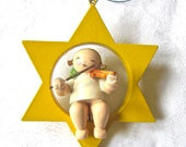 Erzgebirge Angel made in East Germany by Wendt & Kühn 1950s Star Christmas Decoration