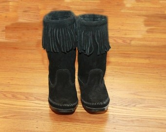 Blk Minnetonka Suede Fringe Boots Size 7