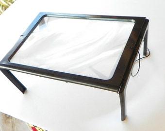"CLOSEOUT  3X Fresnel Folding Magnifier w/ 6.5"" x 9"" Lens"