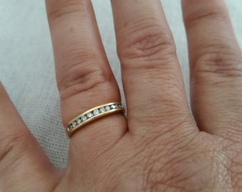 Mother's day vintage diamond 14k gold ring channel band
