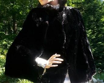 Elegant Vintage Cape Capelet Capelette Natural Black Fur with Silk Crepe Lining