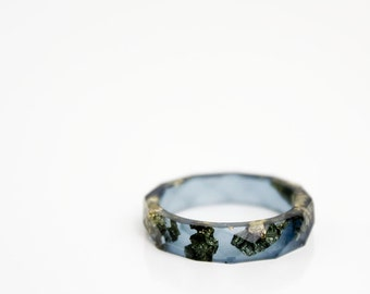 resin ring - midnight blue and gold size 8 thin multifaceted eco resin ring