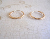 14k Yellow Gold Twisted Hoop