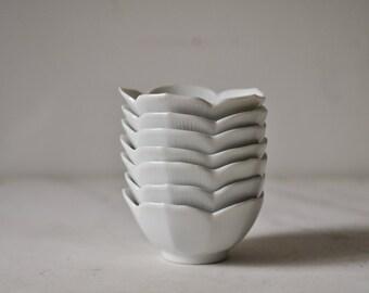 White lotus bowl - single