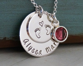 New Mom Necklace / Baby footprints necklace  / Hand Stamped Jewelry / Personalized Mommy Necklace / Baby Love