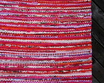 Handwoven, Scandinavian style,  vintage look,rag rug -2.26' x 2.98', red, pink, white, ready for sale