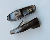 Vintage 1980s Womens Black Penny Loafers. Deadstock Bass Loafers. US Size 6/EU 38