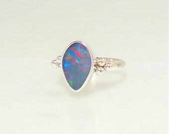 Tear shape Multicolor Opal doublet Ring, Australian Opal setting, Sterling Silver ring, Grayish Lavender red blue opal