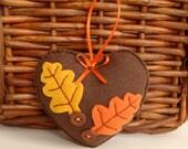 Fall decor heart - Autumn Oak leaves felt Heart ornament for Thanksgiving decoration - Handmade gift hostess - hanging fall heart