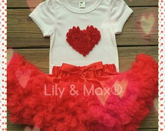 Valentines red Rosette heart Outfit, Shabby red rosette heart Outfit,Valentines red and white heart rosette top with red chiffon pettiskirt