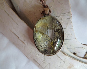 "23"" Glass Birch Bark Necklace"