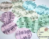 12 sheet music wafer paper circles for cookies or cupcakes, cookie decorating. Good for vegan cakes and cookies.