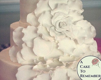 Extra Petals For The Large Gumpaste Flower Wedding Cakes Sugar Flowers Edible
