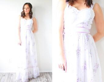 Vintage bohemian lace floral maxi dress // flowers floor length dress // maxi dress // sleeveless dress // hippie dress // spaghetti strap