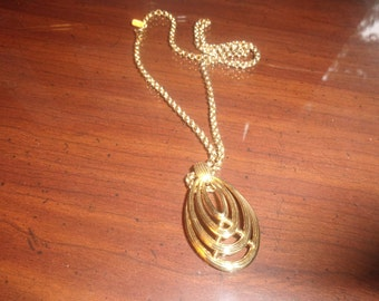vintage necklace goldtone chain pendant monet