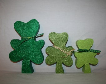 Standing shamrocks St Patricks decor Holiday decor Seasonal decor READY TO SHIP Clover Set of 3 Wood decor Irish decor Woodworking