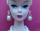 Barbie genuine Gay Parisienne White Pearl Graduated Necklace + Earrings