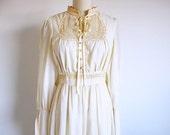 CIJ SALE 70s Gunne Sax Wedding Dress, Prairie Wedding, 1970 Jessica Gown, Ivory Bridal Dress, Modest Wedding Dress, Bridal Gown